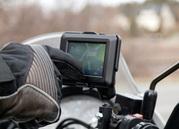 GARMIN ZUMO 220 MOTORCYCLE / CAR GPS Navigator LATEST 2012 MAPS